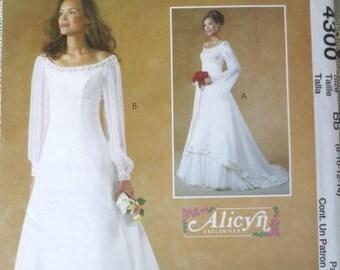 Rennaissance-Style Wedding Dress Pattern - McCalls 4300 - Sizes 8-10-12-14 - UNCUT Bridal Dress Pattern