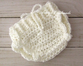 White diaper cover - Crochet Baby girl diaper cover - Made to order for Newborn to 12 Months, Great newborn photo prop!