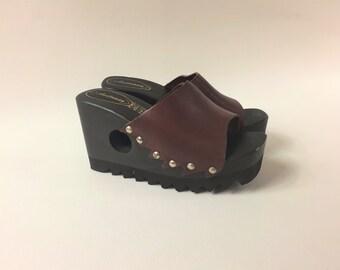 90s Brown Platform Mule / 90's Wooden Heel Clogs / Montster Slip on Shoes / Womens Leather Chunky Heels /Womens  Sandals US 6 / UK 4 / EU 37