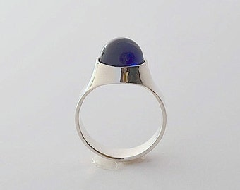 Sapphire ring. Silver ring with blue sapphire.Argentium silver ring. Unique statement ring. Woman signet ring. Valentine day gift idea.