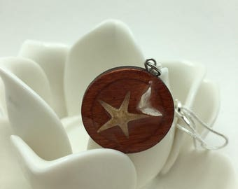 Sand Dollar Dove and mini Starfish set in Resin on wooden pendant with Snake chain necklace. Handmade.