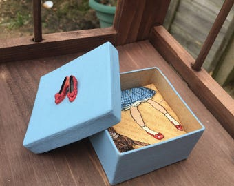 """Hand painted wizard of oz gift box, trinket box, jewellery box """"theres no place like home"""" ruby slippers, blue box, art box."""