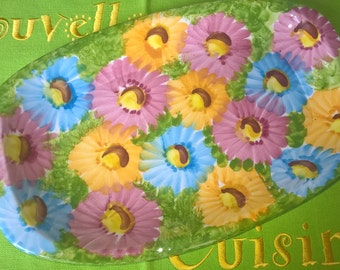 Hand painted pastel daisies sandwich plate. Brings summer sunshine to the table!