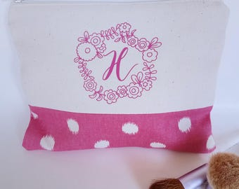 Initial Makeup Bag - Custom Bridesmaid Gift - Large Make Up Bag - Mothers Day Gift - Personalized Makeup Bag - Personalized Bridesmaid Gift