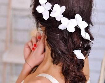 Beach wedding Flower hair vine wedding Rustic wedding White flower hair wreaths Wedding accessories Bridal flower tiara Wedding hair piece