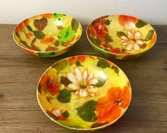 Fiberglass Traymold Bowls; 60s Floral Pattern Bowls; Salad Bowls; Fiberglass Bowls
