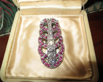 Lovely vintage 1940s Art Deco rose pink rhinestone dress clip or  brooch