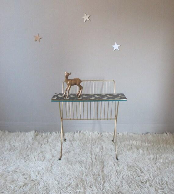 porte revues vintage petite tag re r tro par gabrielleromane. Black Bedroom Furniture Sets. Home Design Ideas