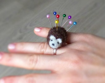 Hedgehog pincushion ring, Needle felted pincushion ring, Gift for sewists, sewers, seamstresses, Gift for hedgehog lover