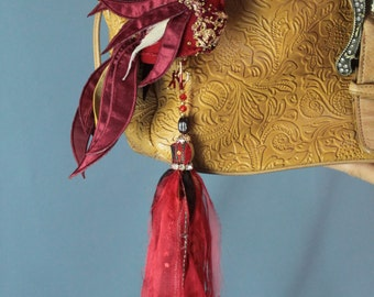 Bag tassel red bird.