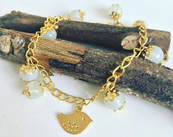 "Charm White Pearl bracelet ""Bird Gold"""