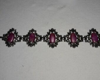 Pinkish Marbled Cabochon Silver Plated Vintage Bracelet
