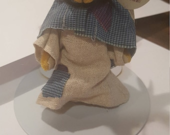Beautiful Cottage Collectible Miniature Teddy Bear Mrs. Noah by Ganz