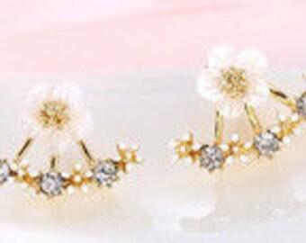 Golden Floral & Crystal Stud Earrings EA6023i