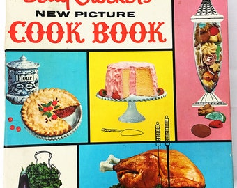 FIRST EDITION Betty Crocker's New Picture Cook Book.  Rare & Collectible Cookbook circa 1961