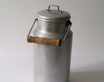 Country style old-fashioned milk can
