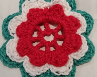 Crocheted Spool Doily, for use on Featherweight or regular sewing machine.