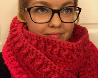 Red Chunky Crochet Cowl, Women's Infinity Scarf, Crochet Scarf, Chunky Scarf, Crocheted Infinity Scarf, Crochet Cowl, Crochet Chunky Cowl