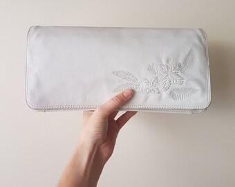 White leather clutch • Embroided purse • Shoulder Bag • Vintage Clutch •