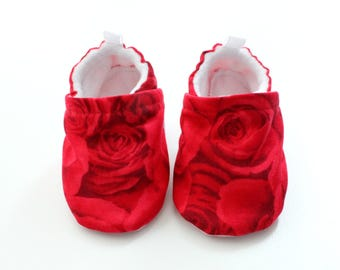 Lovely Roses baby shoes, baby shoes girl, soft sole, baby booties, toddler shoes, baby girl shoes, red roses baby shoes, baby rose shoes