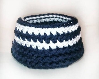 Small storage basket - hand knitted basket/bowl