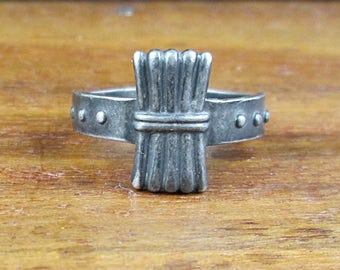 1940 Sterling Silver Campfire Girl Scouts Ring - Vintage - Size 4
