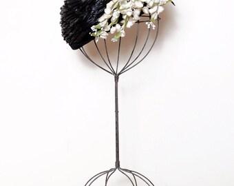 Vintage 50s floral hat / black woven raffia hat / whimsical straw hat