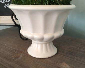 Vintage Haeger Pottery || White Urn