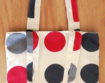 Tote bag in red/grey spots design