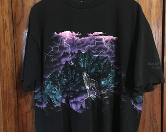 Vintage Rocky Mountain National Park Wolf T-Shirt