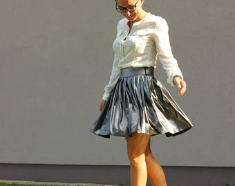 Pleated skirt. Silver skirt. A-skirt.