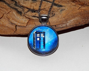 Doctor Who Pendant necklace jewelry keychain, Tardis pendant  jewelry Fan Art, police box necklace pendant, Doctor Who Time Machine jewelry