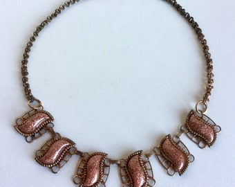 Vintage Copper Necklace with Glittery Goldstone Wavy Shapes of Thermoset Lucite Plastic - Antique Copper Chain - Sparkly 50s Necklace