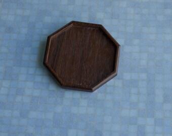 Fine finished octagonal hardwood tray - Sailors Valentine - Walnut - 68 mm cavity diam. - 76 mm overall