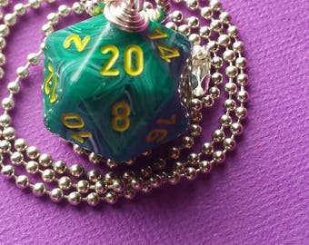 NEW STYLE - Dungeons & Dragons - D20 Die Necklace - Vortex Malachite/Yellow