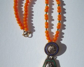 Resin & Emerald Long Necklace