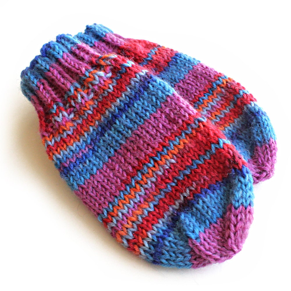 Knitting Pattern For Baby Mittens Without Thumb : Red and Blue Baby Mittens Without Thumbs. Thumbless Knit Wool