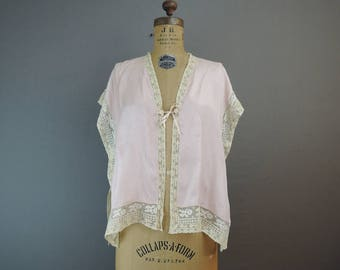 Vintage 1920s Silk Bedjacket, Pink Lingerie Top with Lace, 34 to 37 Bust, As Is, Flapper Lingerie