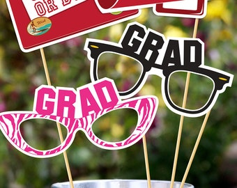 Graduation 2017 Printable PHOTOBOOTH PROPS - EDITABLE Text >> Instant Download | Paper and Cake