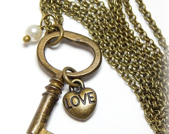 Vintage Skeleton Key Necklace, Antique Key Necklace,  Brass Key Necklace, Heart Necklace, Skeleton Key Necklace, Charm Necklace