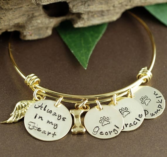 Pet Memorial Bangle Bracelet, Dog Mom Bracelet, Personalized Bracelet, Pet Jewelry, Dog Name Jewelry, Dog Paw Bracelet, GIft for Dog Mom