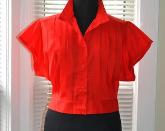 Vintage 50s/60s Blouse - Red Cropped Pin Up Look Top - Pleated Bust - Banded High Waist - m/l