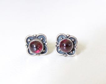 Vintage Garnet Earrings, Dainty Ornate Red Garnet Sterling Silver Earrings, Gemstone Earrings, January Birthstone, 925 Sterling Silver