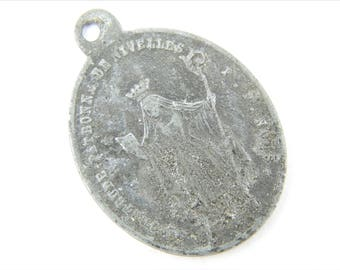 RARE Antique Saint Gertrude of Nivelles Catholic Medal - Patron St of Cats - Scapular Medallion - Religious Charms  002