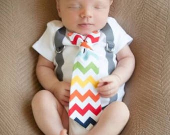 Rainbow Baby Outfit for boys. Newborn outfit. Newborn boy clothes.  Rainbow toddler tie. Rainbow Chevron Tie or bowtie and Gray Suspenders