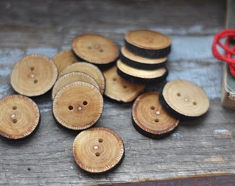 handmade wooden buttons •  set o 14 linden wooden buttons