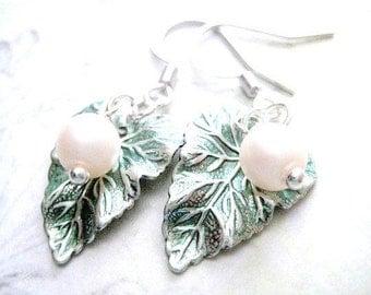 Ivy leaf Dangle Earrings, Leaf Earrings