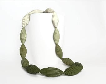 Kaki ombré: Necklace with Beads of Corrugated Cardboard FILA