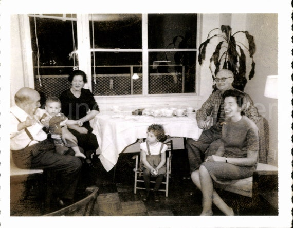 Vintage Photo, Family at Home, Black & White Photo, Found Photo, Vernacular Photo, Snapshot, Old Photo, Parents, Grandparents, Kids   *0006