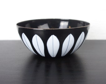 "Vintage Cathrineholm Lotus Bowl Black, White Lotus Pattern, 4"" Enameled Steel, Tiny Nut or Snack Serving Bowl, Grete Prytz Kittelson 180073"
